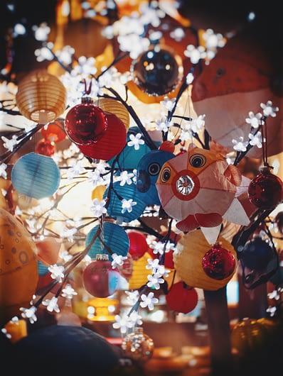 Nouvel an chinois-Noel-lanternes-décorations-boules-arbres-Chine