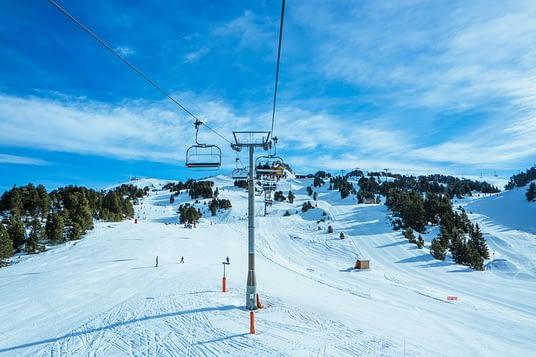 vacances-montagne-françaises-ski-cyclotourisme