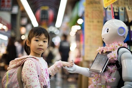 enfant-robot-IA-amis