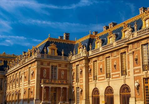 Le château de Versailles connaît une forte attractivité touristique