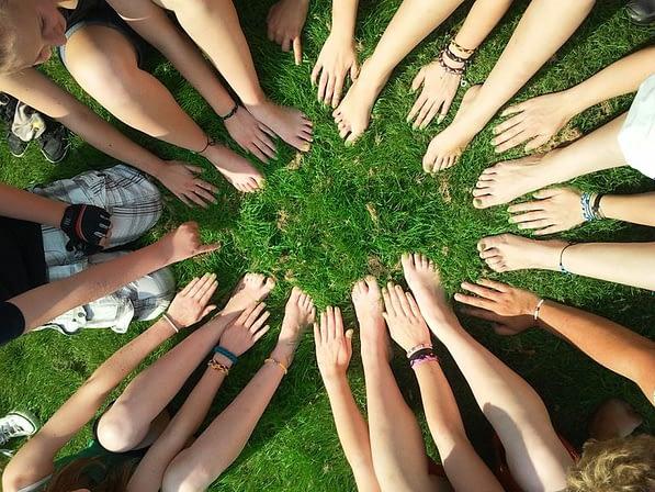 communauté-engagée-reseaux-sociaux