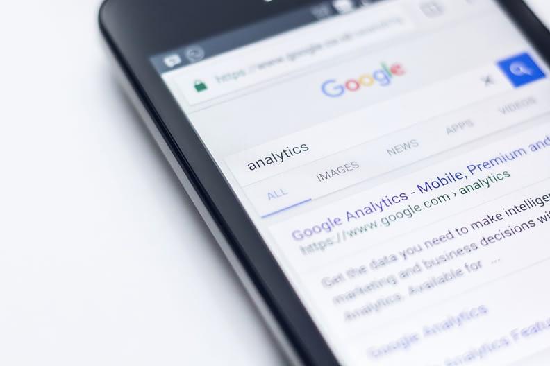 mobile-first-algorithme-responsive-design-desktop-parcours-online-consommateur-mobile-friendly-URL